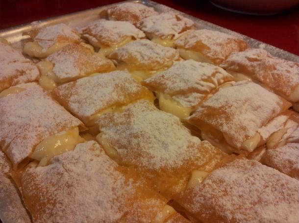 Milhojas de pasta filo y crema recetas de cocina en kukers - Que hacer con la pasta filo ...