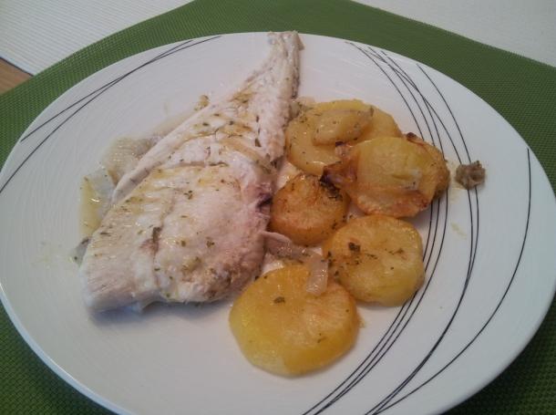 Rodaballo al horno con patatas recetas de cocina en kukers - Como preparar rodaballo al horno ...