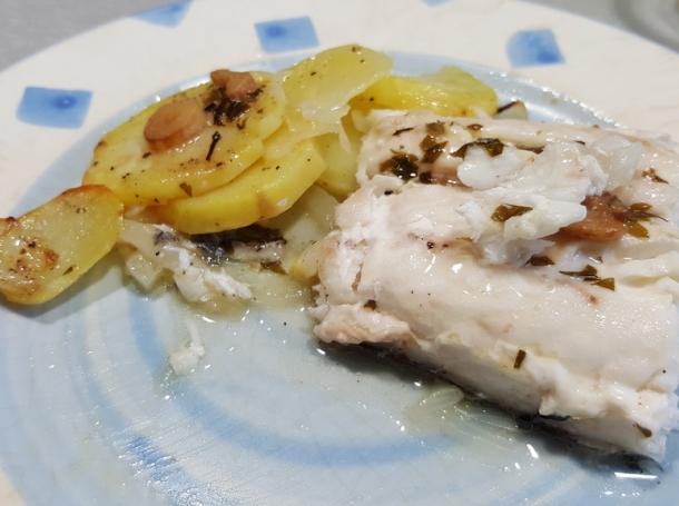 Merluza al horno recetas de cocina en kukers for Merluza al horno facil