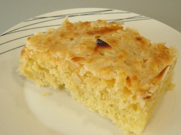 Bizcocho con almendras recetas de cocina en kukers for Bizcocho de yogur y almendra