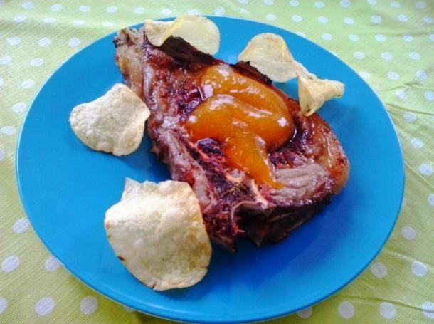 Entrecot de ternera a la plancha en spray de olivas y papas en chips recetas de cocina en kukers - Salsa para ternera a la plancha ...